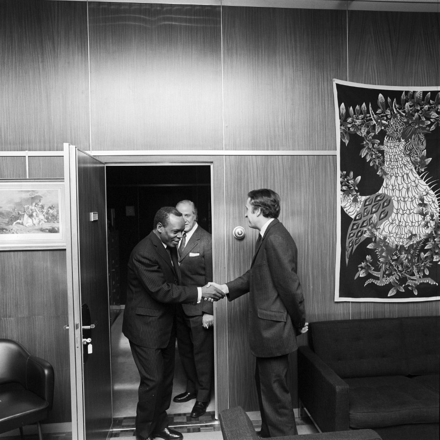 Handshake between H.E. Ambassador Simon Nko'o Etoungou, Head of Cameroon to the EC, on the left, and Jean-François Deniau. Date: 26/01/1972