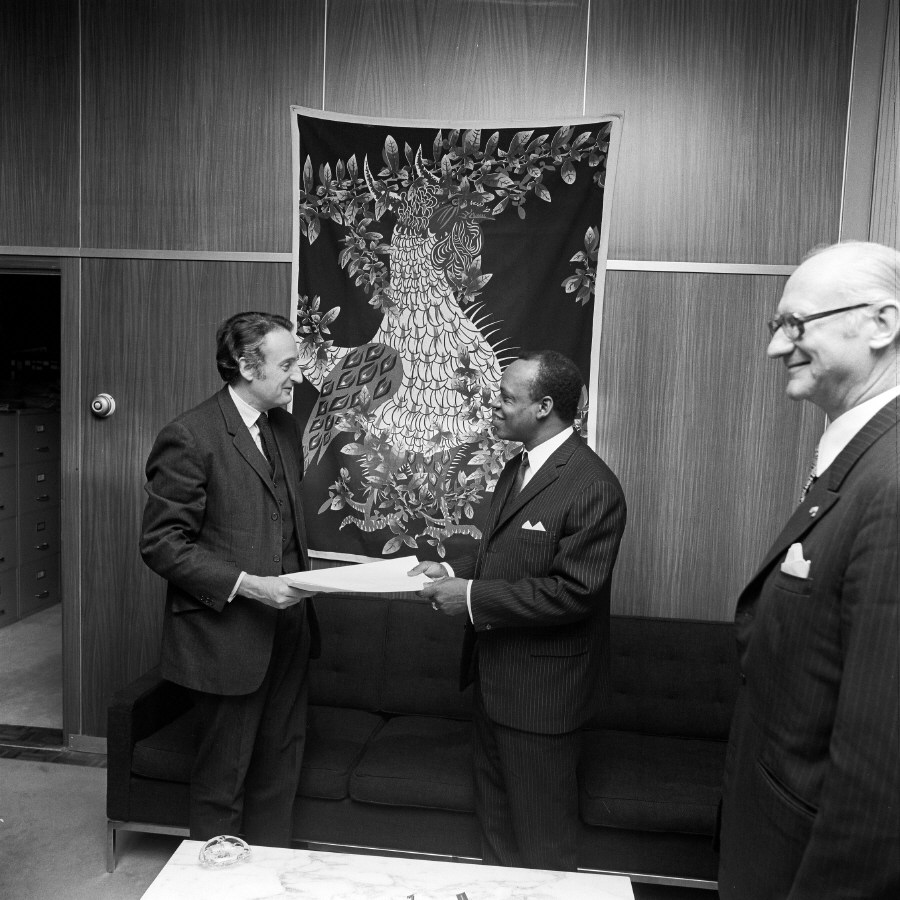 H.E. Ambassador Simon Nko'o Etoungou, Head of the Mission of Cameroon to the EC, on the right, presenting his credentials to Jean-François Deniau. Date: 26/01/1972